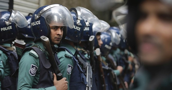 2 dead in Bangladesh raid on suspected militant hideout